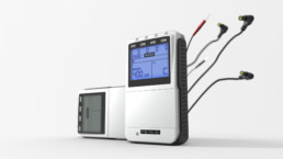 TENS EMS Kobigerät STIM-PRO X9+, perspektivische 3D-Darstellung von zwei Geräten aus der Froschperspektive